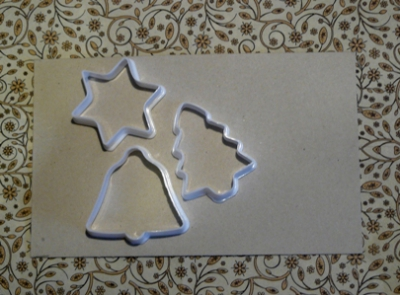 Елочные игрушки из формочек для печенья