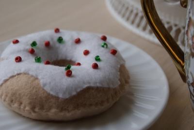 Пончик из фетра